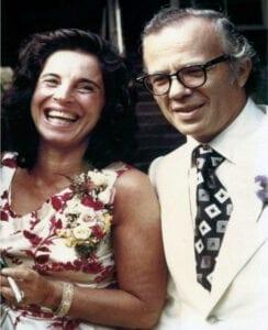 Ева Пиерракос са супругом Јохн Пиерракос.